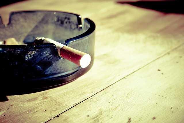 togliere odore di fumo