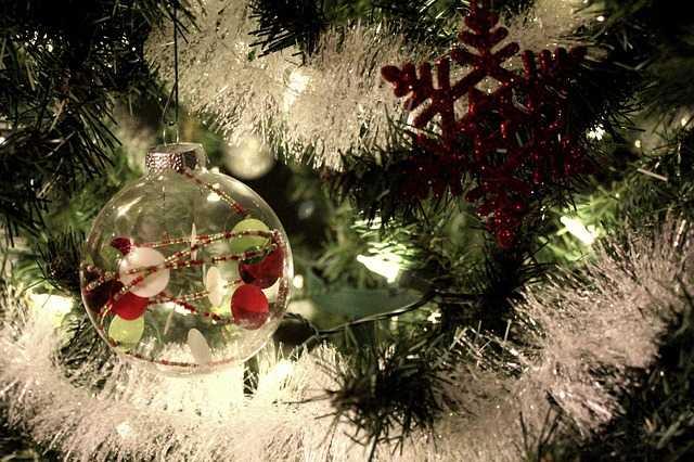 Come montare le luci sull'Albero di Natale