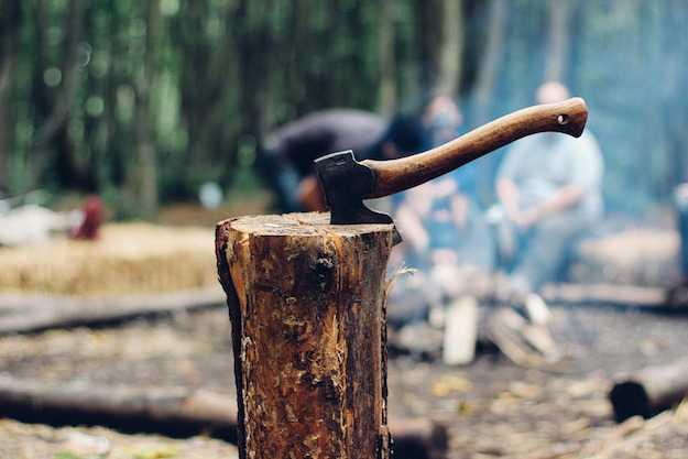 come spaccare la legna