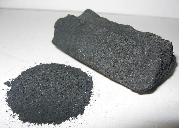 carbone vegetale proprieta