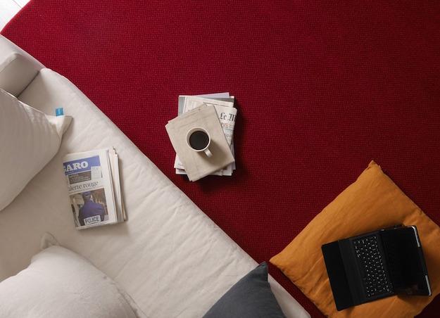 macchie di caffè sul tappeto