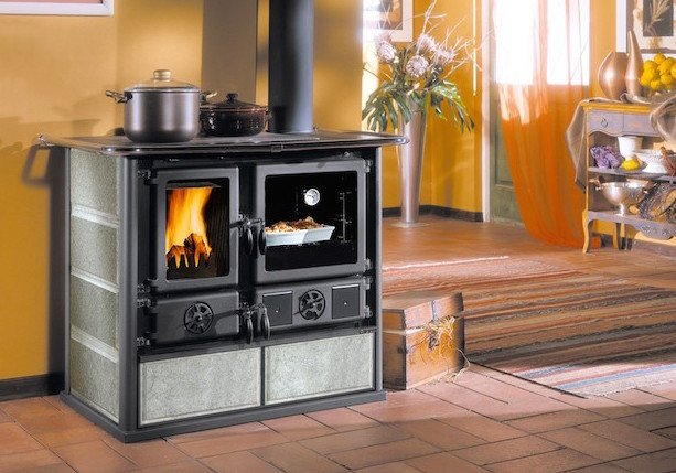 Termostufe a legna o termostufe a pellet idee green - Stufe piccole a legna ...