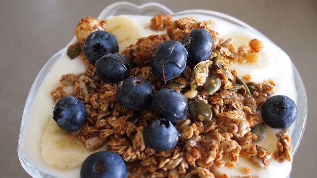 yogurt fatto in casa cremoso o liquido