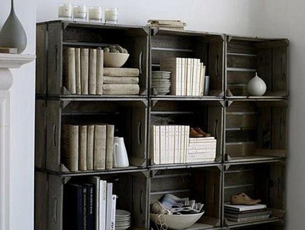 Libreria fai da te con cassette di legno idee green - Parete in legno fai da te ...