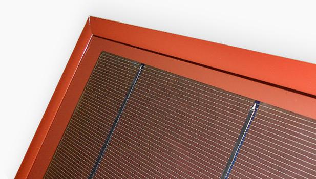 Moduli fotovoltaici rossi