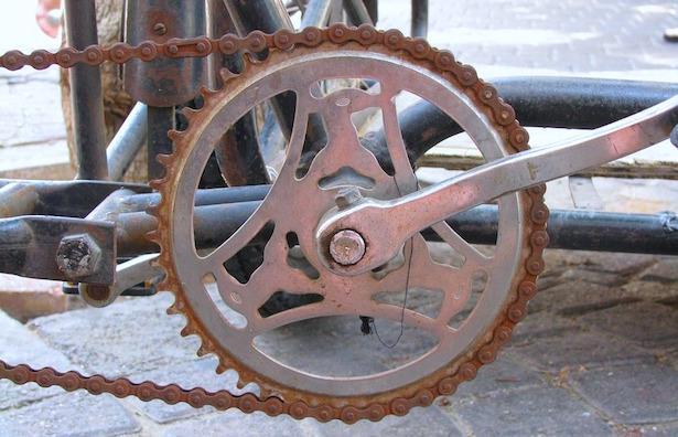catena bici arrugginita