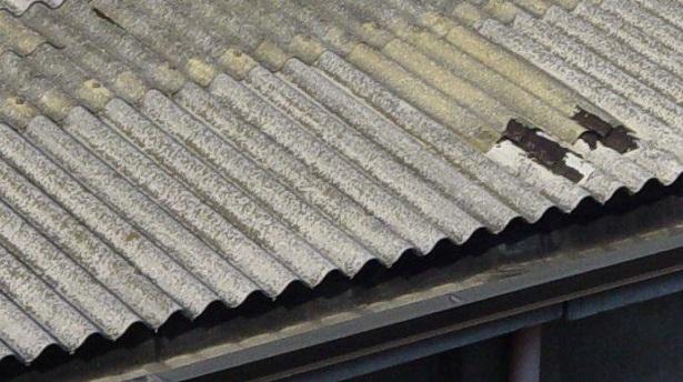 Incapsulamento di una copertura in Cemento Amianto
