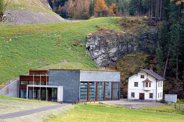 La centrale idroelettrica Rio Riva