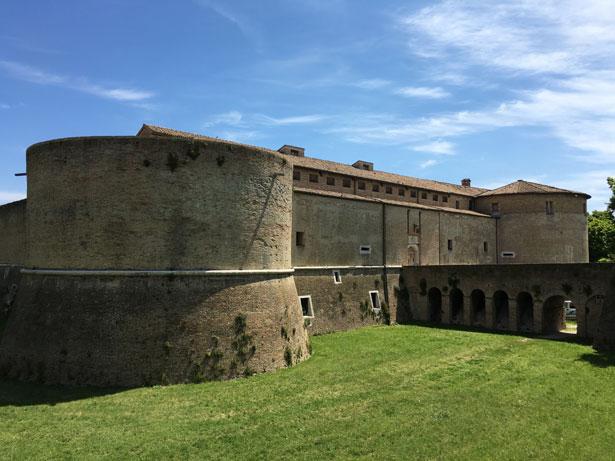 Cicloturismo a Pesaro: Rocca Costanza