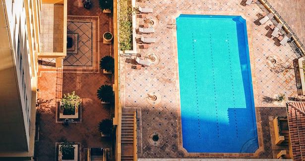 piscina interrata o fuori terra