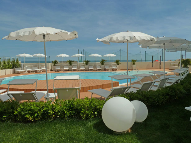 Piscina Nautilus Family Hotel