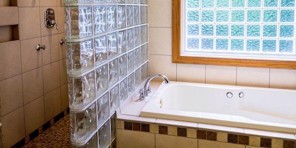 Verniciare la vasca da bagno la guida idee green - Smalti bicomponenti per pitturare piastrelle o ceramiche ...