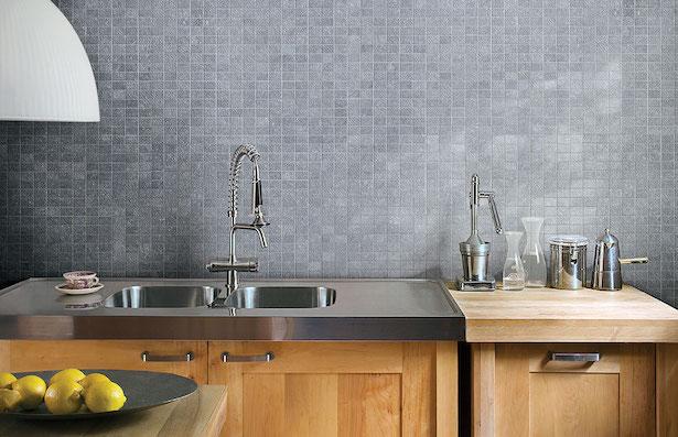 Posa delle piastrelle a parete idee green for Piastrelle parete cucina