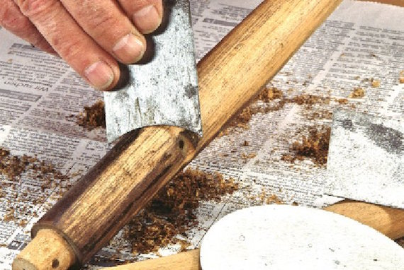 sverniciatura manuale del legno