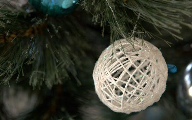 Decorazioni natalizie fai da te idee green - Decorazioni per finestre di natale fai da te ...