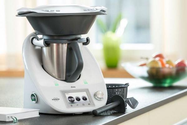 robot tuttofare in cucina