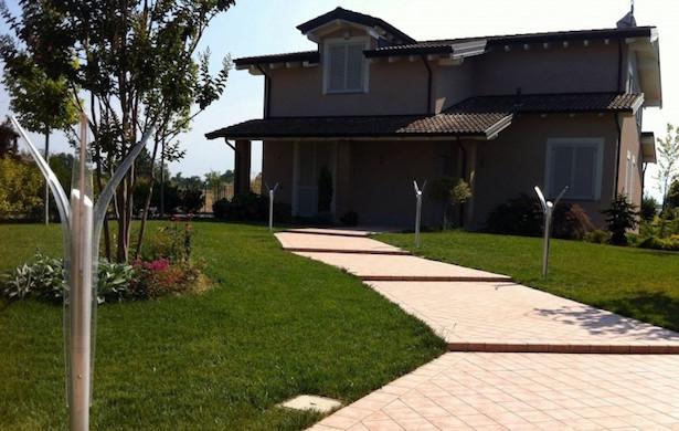 Vialetto in pietra ghiaia o legno idee green for Come stimare i materiali da costruzione per la costruzione di case