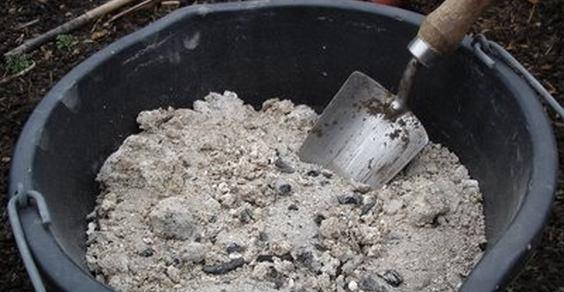 Smaltimento della cenere di legna e pellet