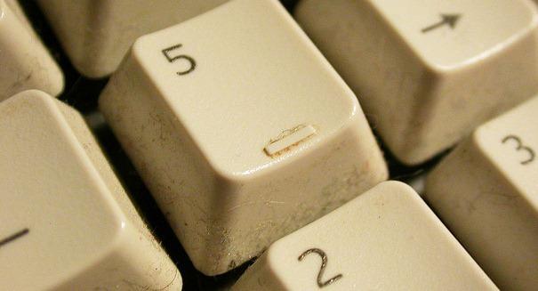 pulire tasti della tastiera