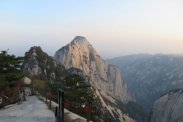 Trekking più pericoloso del Monte Hua