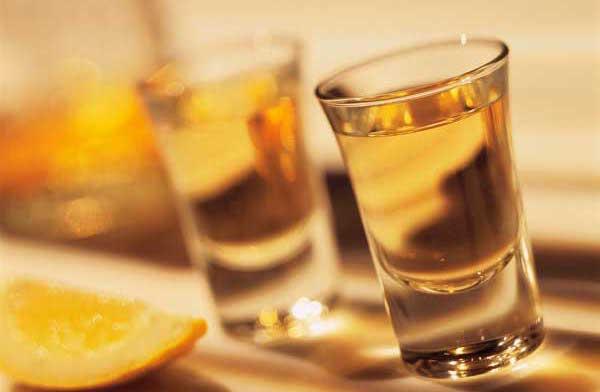 liquore di genziana fatto in casa