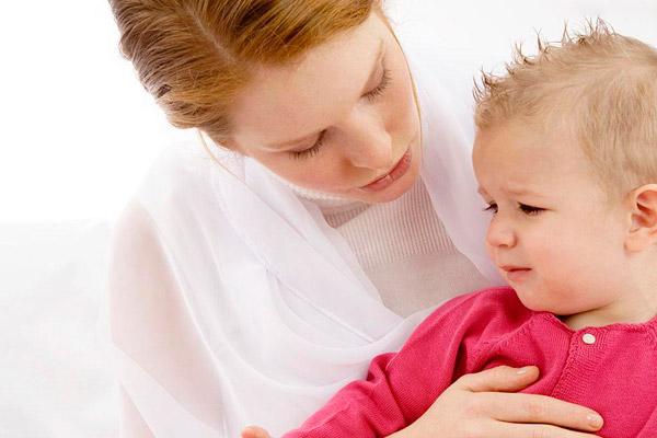 mal di pancia nei bambini rimedi