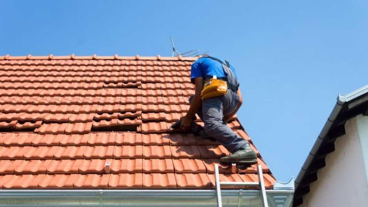 Vecchio Materiale Da Copertura manutenzione del tetto, tutte le info - idee green