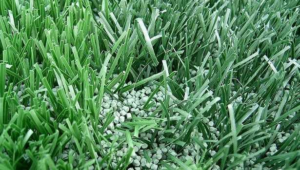Erba sintetica in giardino idee green - Quando seminare erba giardino ...