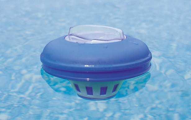 Manutenzione piscina fuori terra idee green - Trattamento acqua piscina ...