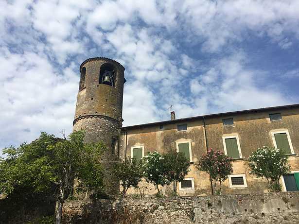 Castello di Pozzolengo Lago di Garda