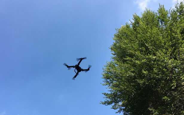 drone economico in volo