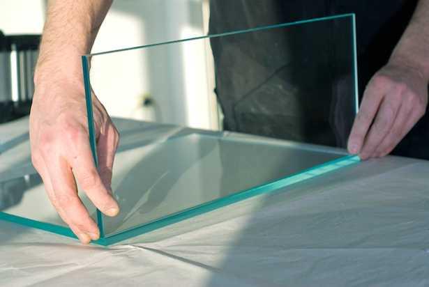 incollare vetro