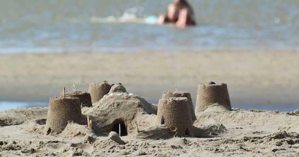 Come fare castelli di sabbia
