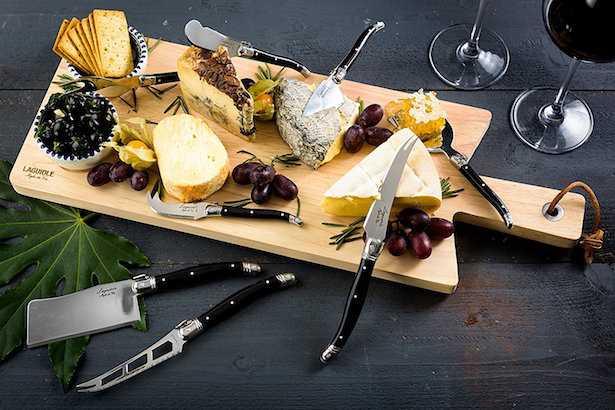 Come usare i coltelli da formaggio