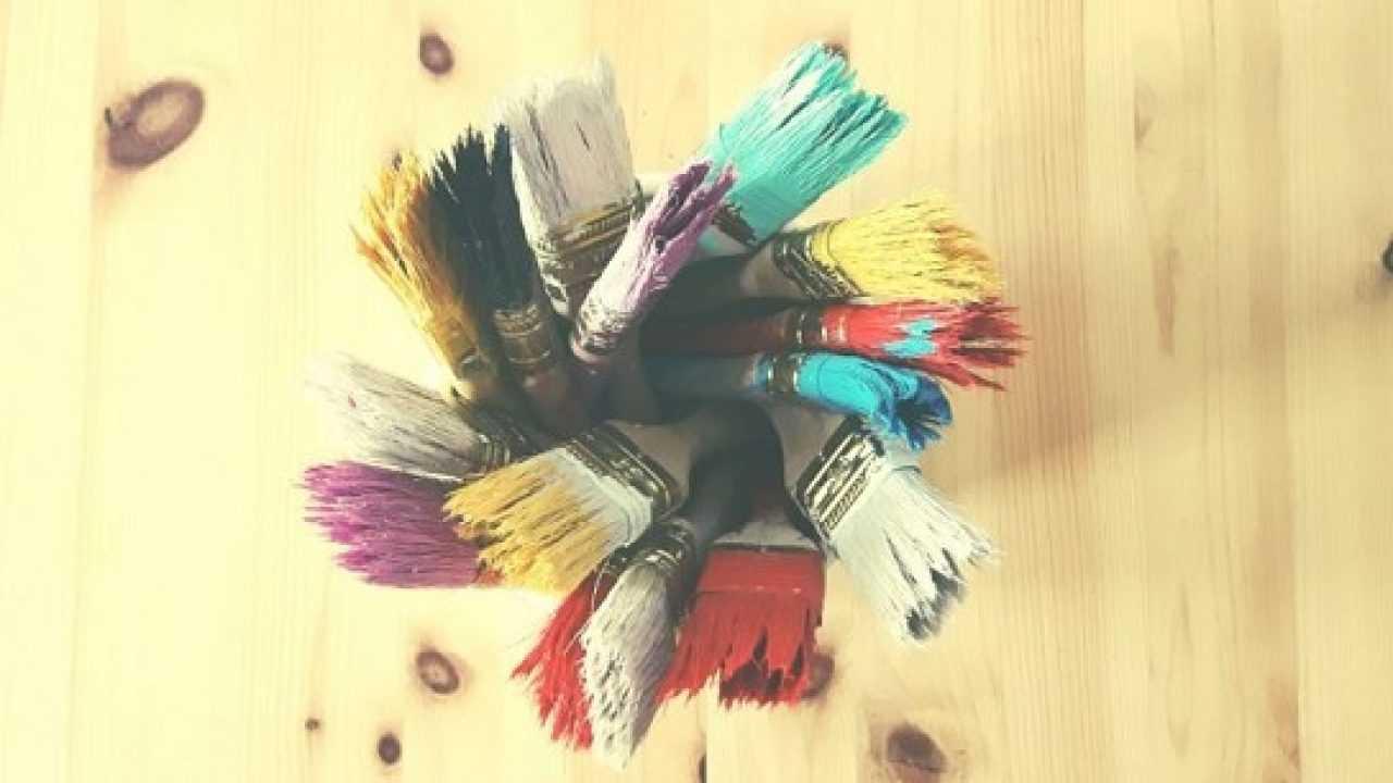 Macchie Di Pennarello Su Tessuto macchie di colore stinto: come eliminarle - idee green