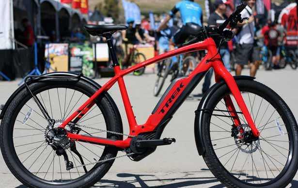 E-bike: modello di bici elettrica per il trekking ed il cicloturismo Trek