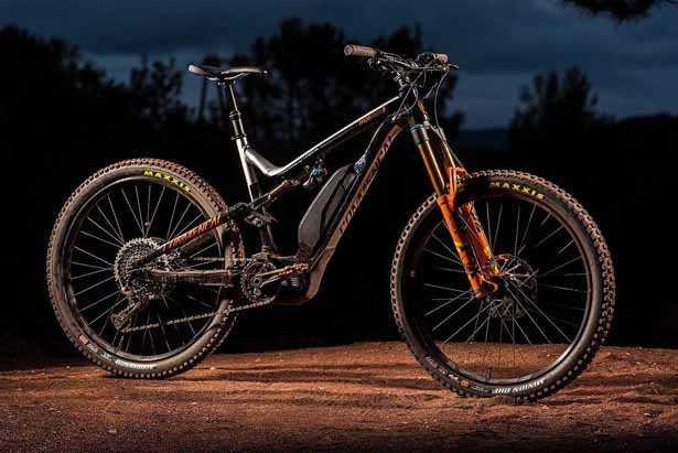 e-mtb marca commencal gamma di bici elettriche da enduro