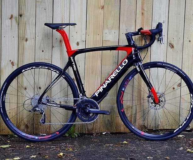 bici da corsa elettrica marca pinarello modello nitro e-bike