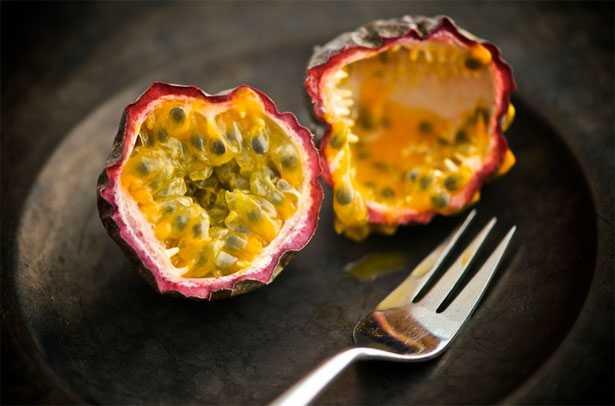 passion fruit frutto della passione maracuja