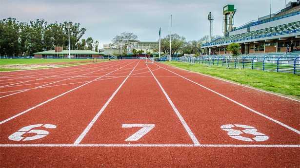 pista atletica leggera pista materiali dimensioni discipline