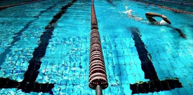 Nuoto: benefici e consigli