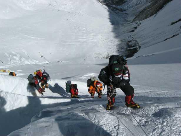 Everest come una discarica di rifiuti