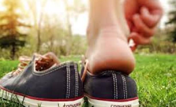 Come rilassare i piedi stanchi