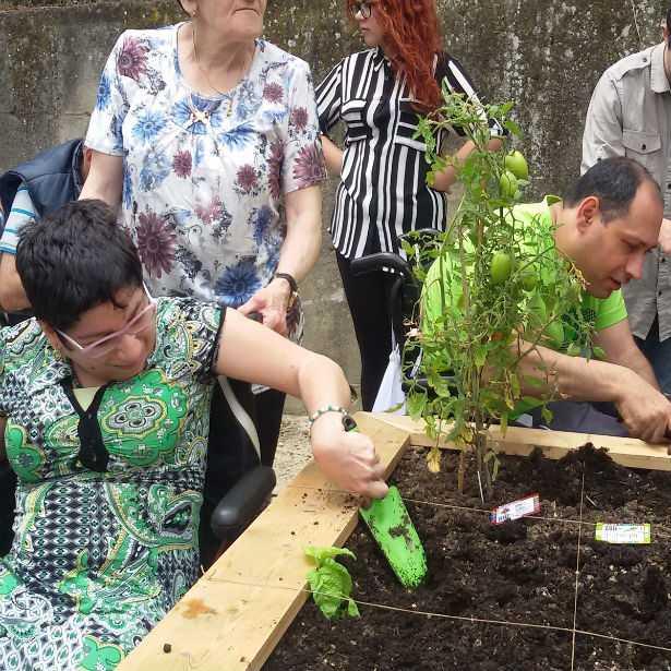 Premio Terre de Femmes: la Fondazione Yves Rocher premia le donne che sostengono l'ambiente