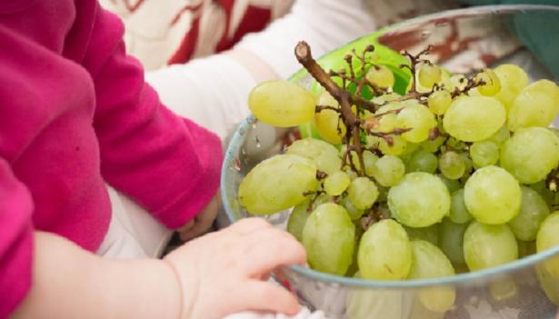 Come far mangiare la frutta ai bambini
