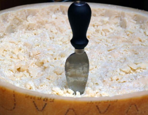 Come mangiare il Parmigiano Reggiano