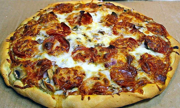 mangiare la pizza fa bene