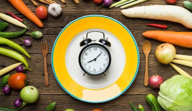 Perché rispettare gli orari dei pasti