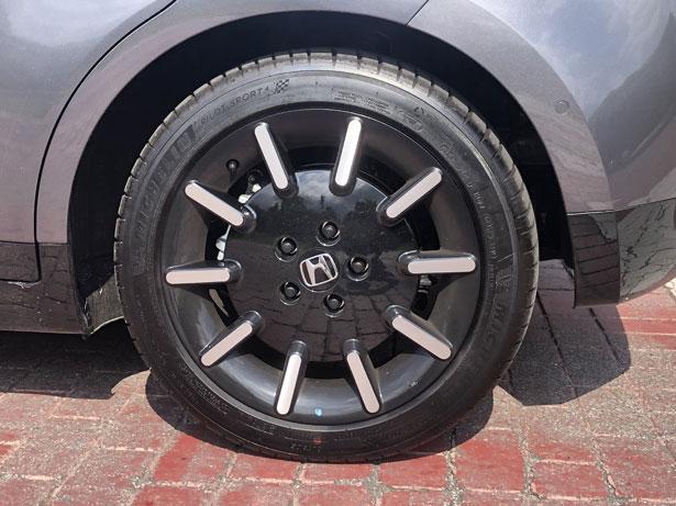penumatico cerchione Honda e