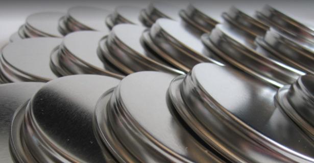 alluminio macchiato da pulire